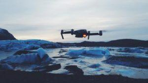 Drohne im Schnee Winter