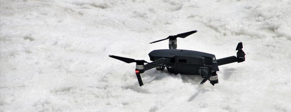Drohne im Schnee